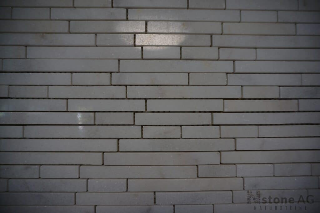Marmor Mosaik Kristall Weiss linear poliert tb1